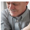 贫困和受教育程度较低的人患有慢性疼痛