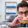 教你白癜风患者的饮食注意及多吃4种食物清理血液垃圾