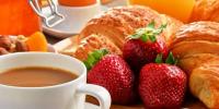 教你爱长痘的人吃什么可以缓解痘痘肌及夏季适合喝什么养生汤