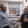 研究者通过检查患者的基因找到改善癌症结果的方法