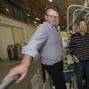 科学家将两种助催化剂放在一个纳米片上 以实现更好的水净化