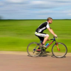 步行或骑自行车上班与减少早期死亡和患病的风险有关