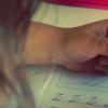 发现父母因素和家庭环境在学生数学能力中发挥作用