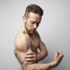 坚持健身 可以让一个胖子瘦下来 并且变成一个肌肉男