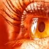 盯着深红光可以改善自然衰弱的视力