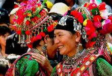 弥渡彝族和周边民族不断融合 而这个过程在他们的服饰之中可见一斑