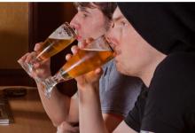 研究发现饮酒过多会导致癌症并破坏细胞DNA