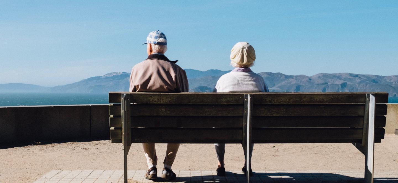 研究确定年龄偏见最大的国家和州