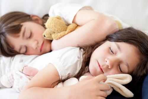 父母不应该担心孩子的睡眠方式不一致