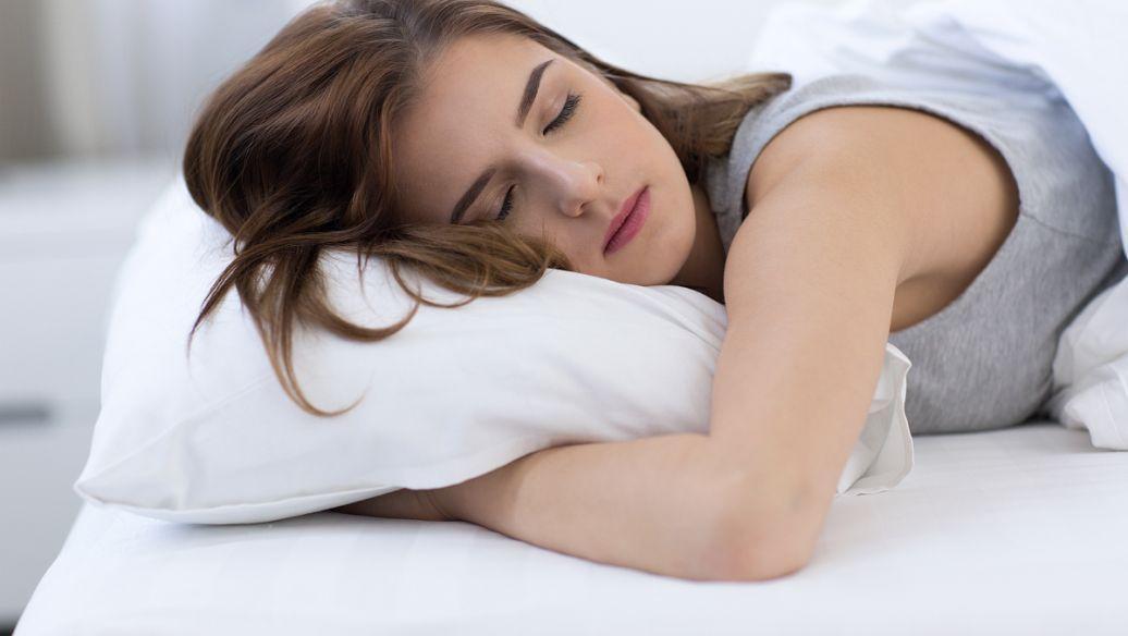 睡眠困难与心脏病发作和中风的风险增加相关