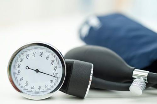 年轻人的高血压和胆固醇与以后的心脏病有关