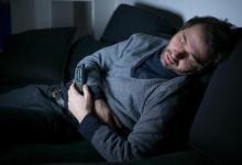 研究发现在电视前入睡可能会增加肥胖的风险