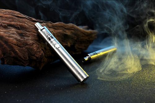 用于电子烟液调味的化学物质会对特殊蛋白质产生负面影响