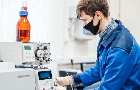 化学家将塑料瓶废料转化为杀虫剂吸附剂