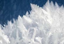 自古以来冰便是一种具有独特性质的引人入胜的物质引起了人们的兴趣